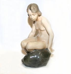 Фарфоровая скульптура