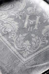 Салфетки с монограммой Николая II