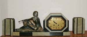 Часы в стиле Ар-Деко