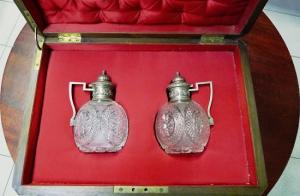 Парные хрустальные в серебре графины фирмы Карла Фаберже для вина