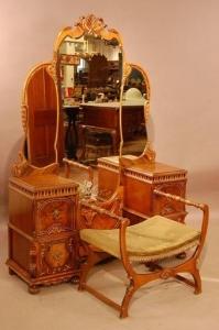 Спальный гарнитур состоящий из 3 предметов