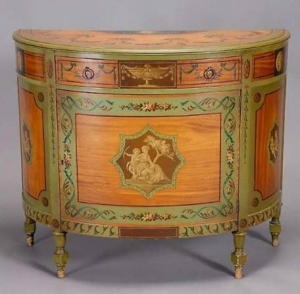 Эдвардианский комод (относящийся к эпохе правления короля Эдуарда Седьмого,1901-1910)