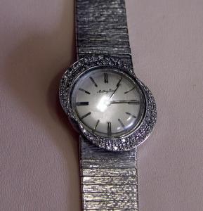Часы  марки Mathey Tissot
