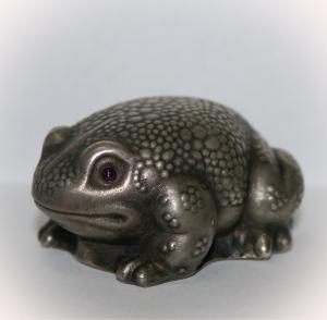 Фигурка «Жаба»